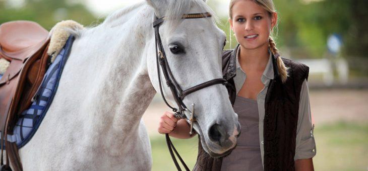 Comment devenir monitrice d'équitation ?